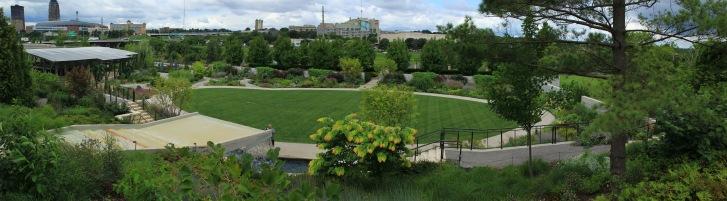 Des Moines Botanical Garden Panarama - 128120-128122 - 3x11